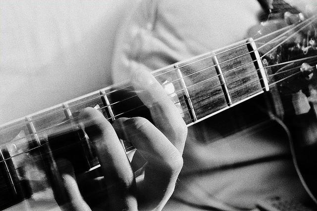Guitar CC licence Paolo Martini